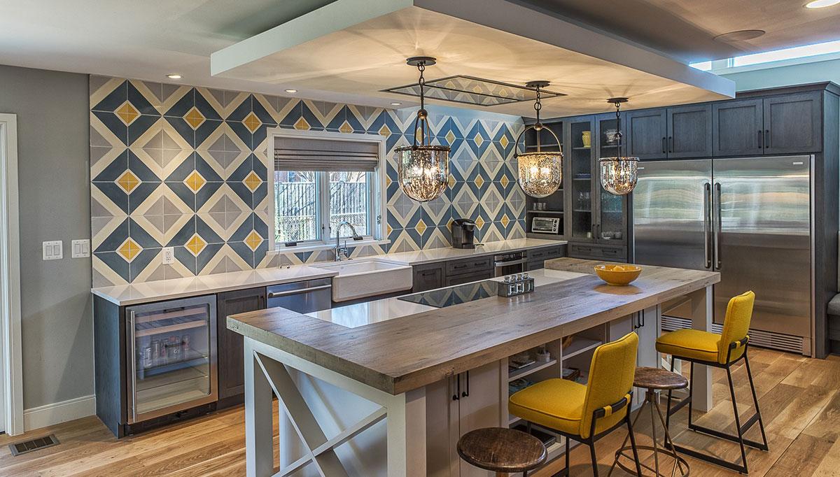 Patterned tile in kitchen